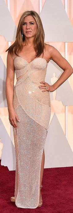 Jennifer Aniston wearing a Versace gown at Oscars 2015