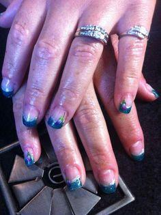 green gel Polish nails