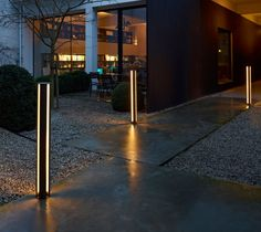 REAKTOR - 317 210 42 - Designer Outdoor floor-mounted lights from Delta Light ✓ all information ✓ high-resolution images ✓ CADs ✓ catalogues ✓. Outdoor Floor Lamps, Outdoor Flooring, Outdoor Lighting, Italian Lighting, Modern Lighting, Lighting Design, Delta Light, Bollard Lighting, Modern Light Fixtures