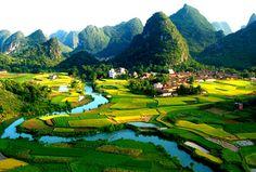 Guilin und ihre malerische Umgebung zu Fuss zu entdecken ist anspruchsvoll, aber lohnenswert. Nutzen Sie die Chance und ziehen Sie zu Fuss durch diese faszinierende Region.
