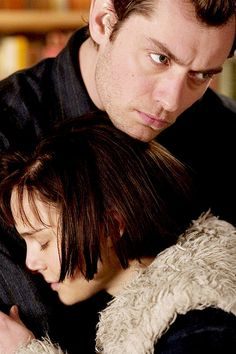 """Closer"" Stars Natalie Portman, Jude Law"