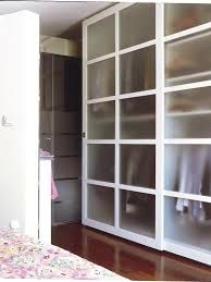 Resultado de imagen de armarios con puerta de cristal