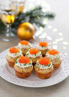 Muffins with creme fraiche and salmon caviar
