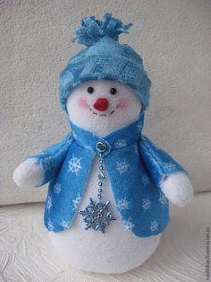 Snowman Christmas Decorations, Felt Christmas Ornaments, Christmas Gnome, Christmas Sewing, Christmas Knitting, Winter Christmas, Christmas Themes, Holiday Crafts, Holiday Decor