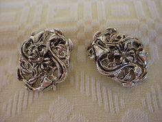 Renaissance Bodice Jewelry Clips Silver-tone Ornate