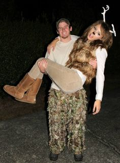 15 Couple Halloween Costumes – Easy DIY Project Idea For Cheap Holiday Party - Bored Fast Food (15)
