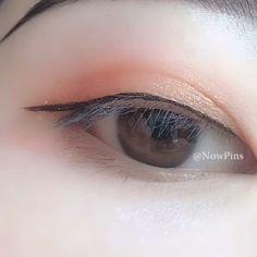How to change double eyelids with single eyelids – microblading eyebrows Prom Eye Makeup, Halloween Eye Makeup, Korean Eye Makeup, Asian Makeup, Chinese Makeup, Permanent Makeup Eyebrows, Eyebrow Makeup, Eyeliner, Eyeshadow
