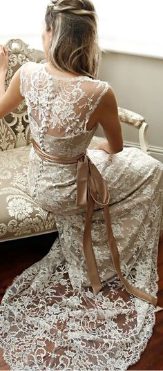 What a beautiful wedding dress