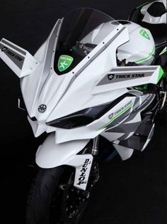 2016 Kawasaki Ninja in White Livery Is the Queen of Supercharged Ice Kawasaki Ninja, Motos Kawasaki, Kawasaki Motorcycles, Cool Motorcycles, Triumph Motorcycles, Moto Bike, Motorcycle Bike, Motorcycle Quotes, Moto Ninja