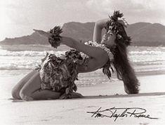 """Kim Taylor Reese """"Hula Noho"""" 11 X 14 Double Matted Hawaiian Hula Print                                                                                                                                                                                 Mehr"""