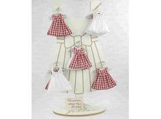 Dragées Baptême - Robe vichy rouge et blanche avec dragées