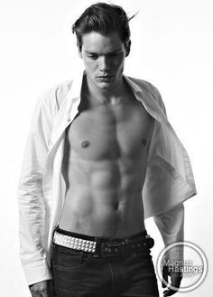 Picture of Dominic Sherwood Dominic Sherwood Shadowhunters, Shadowhunters Tv Show, Clary Und Jace, Clary Fray, Henry Danger Nickelodeon, Girls Aloud, Jace Wayland, Cute White Boys, Hot Actors
