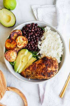 These Cuban Chicken and Black Bean Rice Bowls are so packed with flavor! They're filled with homemade cuban spiced chicken, black beans, lime rice and fried plantains! The perfect easy and delicious weeknight meal! Healthy Chicken Recipes, Healthy Dinner Recipes, Cooking Recipes, Cooking Tips, Chicken Spices, Chicken Seasoning, Chicken Rice Bowls, Cuban Chicken, Black Bean Chicken