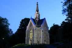 """""""Kreuzberg"""" Chapel, Arnsberg (Germany) Kreuzbergkapelle, Arnsberg (Deutschland) #luminaire #light #Beleuchtung #leuchte"""