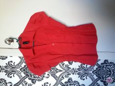 Clotheswap - brand new red blouse Athletic Build, Athletic Body, Nicole Kidman, Red Blouses, Body Shapes, White Shorts, Celebs, Brand New, Winter