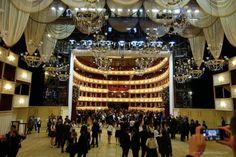 :-) Vienna State Opera - the entire ballroom / der ganze Ballsaal in der Wiener Staatsoper :-)
