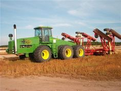New John Deere Combine Prototype | John Deere Zelfbouw This 6 wheel John Deere is down on Kentucky