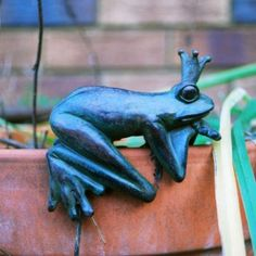 A Pair Of Resin Garden Ornaments Lizard Design In Multi Coloured Mosaic  Frost U0026 Weather Resistant Looks Great Amongst Plants Can Be Mounted On U2026 |  Pinteresu2026