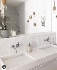 In love with white and natural tones . 13 Likes - Discover the picture of on COUCH for & love with white and natural tones . Diy Bathroom Remodel, Bathroom Renovations, Spanish Style Bathrooms, Kitchen Hoods, Simple Bathroom, Bathroom Ideas, Bathroom Styling, Diy Home Decor, Bathtub