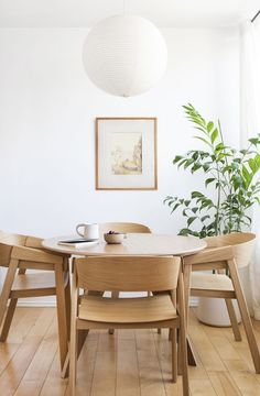 Decorating your Scandinavian dining room interior design with amazing minimalist interior ideas and decoration. Dining Room Paint Colors, Dining Room Art, Dining Room Lighting, Dining Room Design, Dining Room Chairs, Furniture Chairs, Office Chairs, Kitchen Lighting, Bedroom Furniture