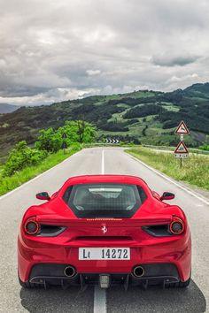 ROA080115FEA_Ferrari488_29
