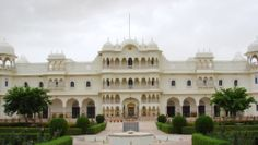 Live like kings amidst acres of wildlife and pristine nature when you are at Nahargarh