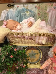 Awesome vintage scales and reborn baby girl❤️