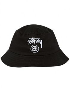 Looking at the different styles of labels that are put onto bucket hats. I love the use of a patch but this is a good example of the options that can be used.