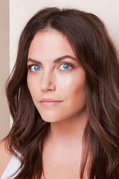 Contouring Tips - Perfect for blue-eyed brunettes