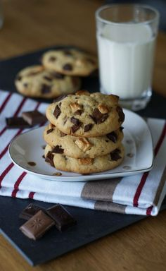 Chocolate Chip Cookies, die besten überhaupt 🙂 schon der Teig ist super lecke… Chocolate chip cookies, the best ever :-] already the dough is delicious! Chewy Chocolate Chip Cookies, Chocolate Muffins, Chocolate Chocolate, Healthy Chocolate, Food Cakes, Chip Cookie Recipe, Cookie Recipes, American Cookie, Mini Cookies