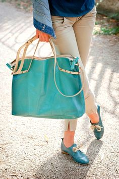 Lilimill debry with small rounded heel + handbag with degradé finishing