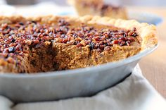 Pumpkin Pie with Toasted Pecan Praline Topping | http://shewearsmanyhats.com/pumpkin-pie-with-toasted-pecan-praline-topping/