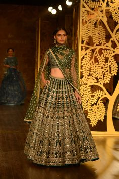 Looking for Bridal Lehenga for your wedding ? Dulhaniyaa curated the list of Best Bridal Wear Store with variety of Bridal Lehenga with their prices Indian Bridal Lehenga, Indian Bridal Wear, Indian Wedding Outfits, Bridal Outfits, Indian Outfits, Bridal Dresses, Indian Wear, Indian Clothes, Bridal Lehngas