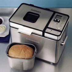 : Leite's Culinaria Cuisinart Convection Bread Maker Expires on Tuesday December 2014 Cuisinart Bread Machine Recipe, Specialty Appliances, Kitchen Appliances, Pretzel Maker, Bread Maker Recipes, Crepe Maker, Bread Baking, Cool Kitchens, Cooker
