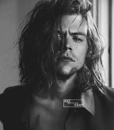 This photo owns my heart 🔥🔥 Harry Styles Fotos, Harry Styles Mode, Harry Styles Edits, Harry Styles Pictures, Harry Edward Styles, One Direction Pictures, Foto Real, Harry Styles Wallpaper, Mr Style