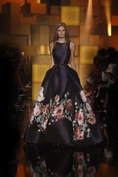 Elie saab haute couture autumn winter fashion show Elie Saab, Fashion Week, Look Fashion, Fashion Show, Fashion Art, Winter Fashion, Evening Dresses, Prom Dresses, Formal Dresses