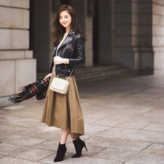 with - November 2016 Girls Fashion Clothes, Fashion Pants, Girl Fashion, Womens Fashion, Tokyo Street Style, Casual Street Style, Beautiful Outfits, Cute Outfits, Matches Fashion