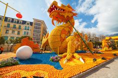 Lemon Festival (Fete du Citron) on the French Riviera.The theme for 2015:Tribulations of a lemon in China. Over 140 tonnes of lemons and oranges are used to build huge citrus constructions. Menton, France  Stock Photo, Picture And Royalty Free Image. Image 37180870.
