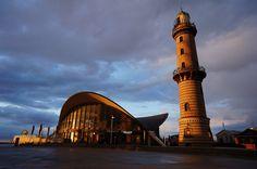 https://flic.kr/p/rU87GR | Warnemünde | Teepott und Leuchtturm zur goldenen Stunde