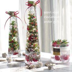 クリスマスツリーの入ったハーバリウム Instagramからや生徒様からオーダーいただしております。 順次お作りして発送致しますので宜しくお願いします♥️… Interior Paint Colors, Paint Colors For Home, Pearl Rose, Altered Bottles, How To Preserve Flowers, Flower Crafts, Xmas, Christmas, Holidays And Events