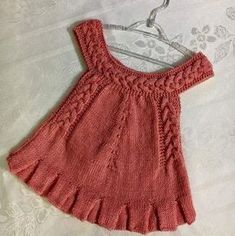 Hair Braided Round Collar Made A Pleated Strap Child Gilet. - Rukiye - - Hair Braided Round Collar Made A Pleated Strap Child Gilet. Kids Dress Wear, Knit Baby Dress, Knitting For Kids, Baby Knitting Patterns, Suspenders For Kids, Baby Pullover, Evening Dresses Plus Size, Baby Sweaters, Kind Mode