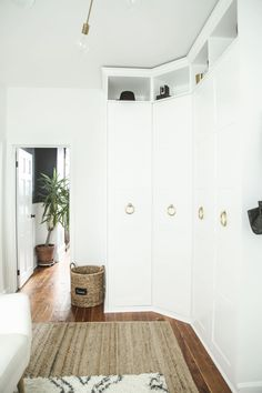 I hacked an Ikea Pax corner closet into a beautiful built-in floor-to-ceiling wa. I hacked an Ikea Pax corner closet into a beautiful built-in floor-to-ceiling wardrobe with a littl Bedroom Hacks, Ikea Bedroom, Closet Bedroom, Bedroom Storage, Ikea Beds, Master Bedroom, Ikea Ikea, Ikea Storage, Storage Hacks