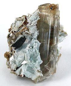 Diaspore-Margarite, CaAl2(Al2Si2)O10(OH)2