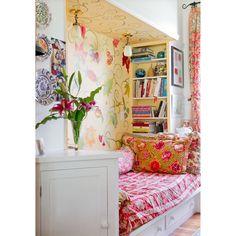 الزحمه الجمليه   #love #pink #floral #flowers #flower #vintage #countrystyle #luxury #style #room #beauty #pretty #fashion #interiordesign #interior #design #decor #decoration #home #house #homedecor #instahomes #classic #ديكور #اثاث #غرفه by decor_