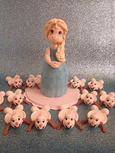 Boneca Elsa em porcelana fria, Candy Bar, porta brigadeiro , boneco Olaf , festa infantil menina.
