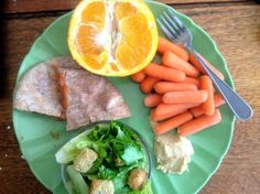Cheesy Pita Pizza with 1/2 jumbo orange, baby carrots & hummus plus a side salad. Only 348 calories!