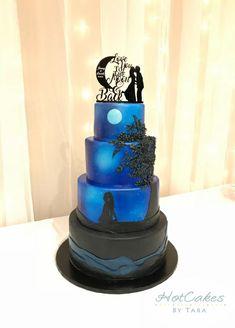 29 Beautiful Black Wedding Cakes for the Nontraditional Couple Wedding Cake Boxes, Blush Wedding Cakes, Big Wedding Cakes, Wedding Cake Prices, Floral Wedding Cakes, Beautiful Wedding Cakes, Wedding Cake Designs, Wedding Cake Toppers, Wedding Ideas