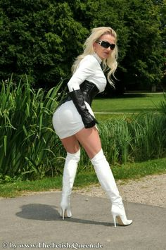reserved for a queen: Heike White Leather Boots, Leather Gloves, Leather And Lace, Thigh High Boots Heels, Heeled Boots, Lingerie, Queen, Sexy Boots, Hot Outfits