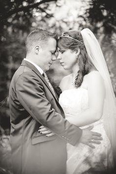 Hochzeitsfotografie in Essen-Borbeck mit Clarissa & Alex  #essenborbeck #borbeck #hochzeitsfotografie #maikgrabosch #ratingen #düsseldorf #wasserschlossborbeck #wasserschloss
