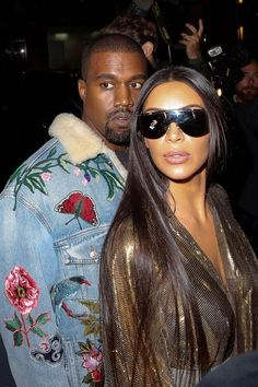 The Craziest Theories Surrounding Kim Kardashian's Robbery – Fashion Kim Kardashian Robbery, Kim Kardashian Kanye West, Kardashian Style, Kardashian Jenner, Kanye West Family, Kanye West And Kim, Celebrity Dresses, Celebrity Style, Kim K Style